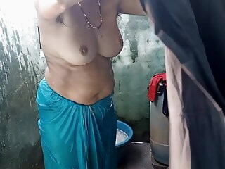 Desi village aunty filmed bathing, part 4, full hd iceporn asian close-up mature
