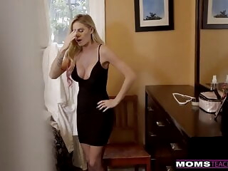 Peeping On My Mom For Sex - MomTeachSex iceporn blonde blowjob cumshot